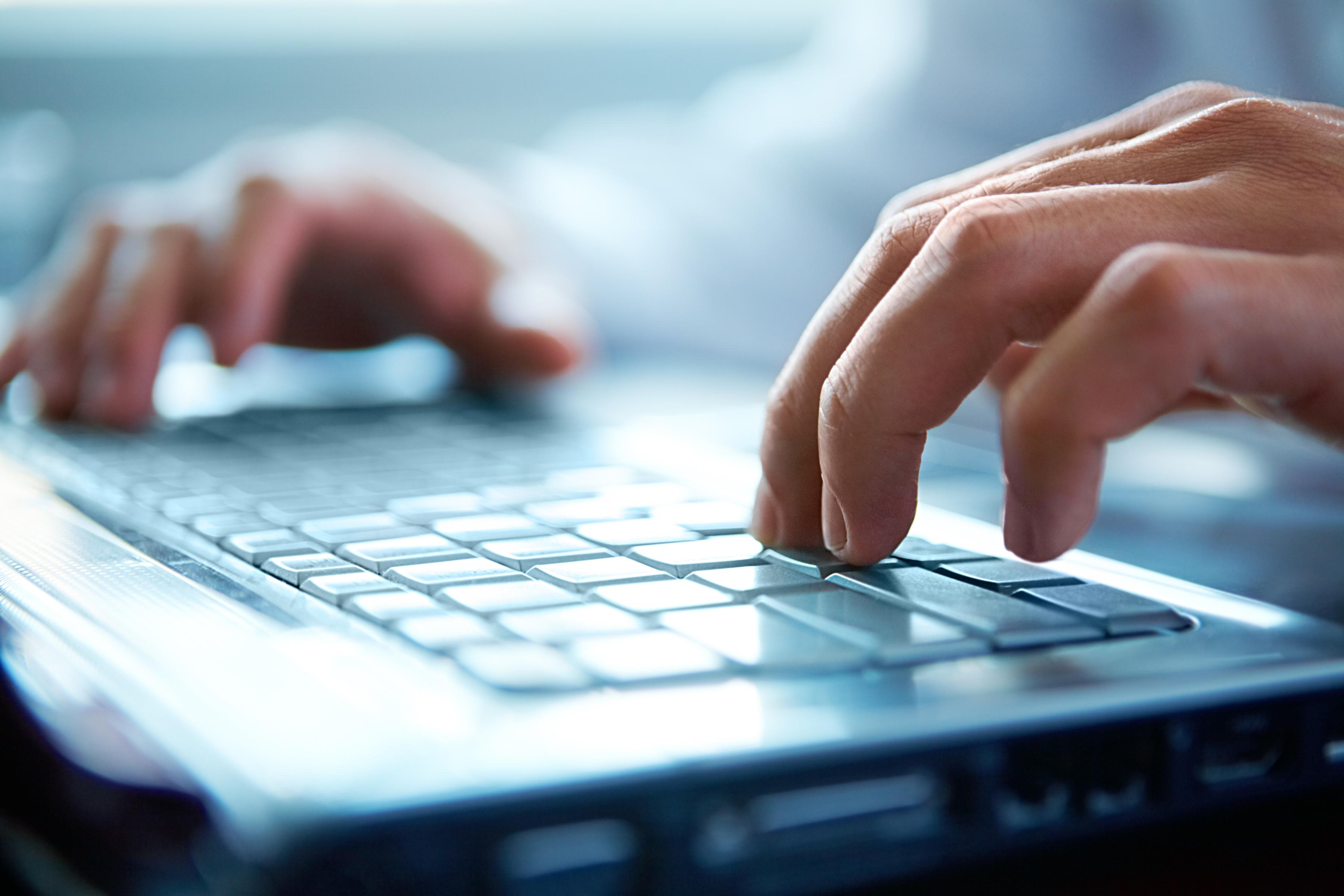 Nos compétences sont transverses, programmation internet, système, etc...